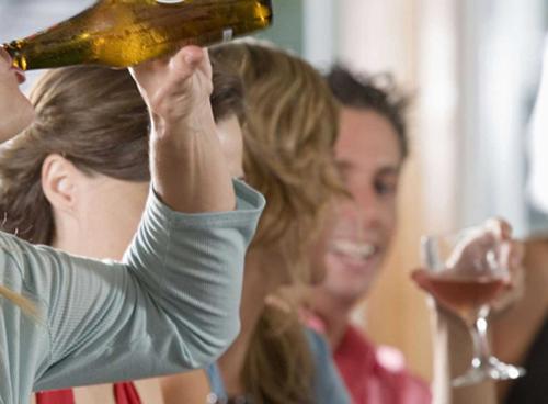 los graves problemas del excesivo consumo de alcohol en adolescentes