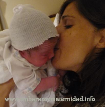 la primer hora es sagrada para la mamá y el recién nacido copy