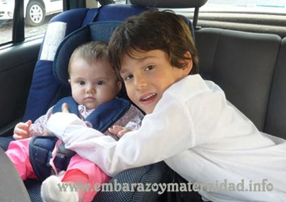 cómo deben usarse las butacas para niños en los autos