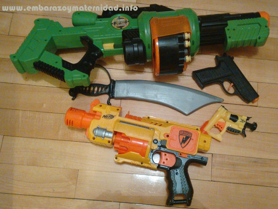 ¿Es bueno que los chicos jueguen con armas de juguete?