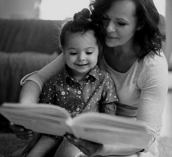 Los beneficios de leerles cuentos a los chicos