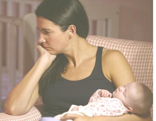 Padres y madres agotados con Síndrome de Burnout