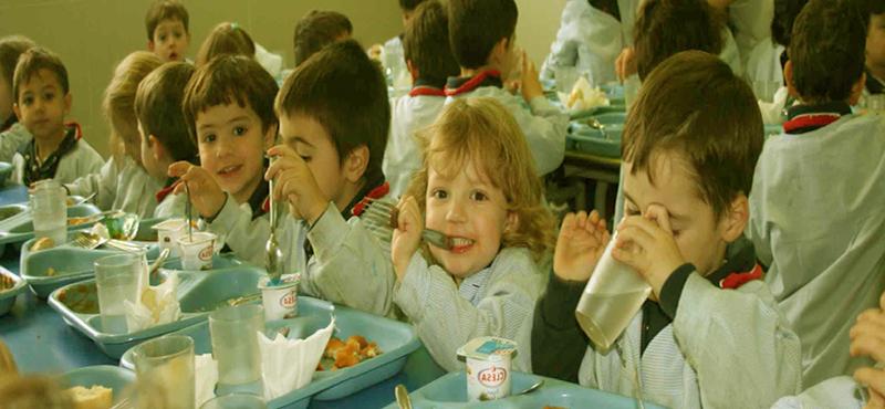 Ventajas y desventajas de almorzar en el colegio