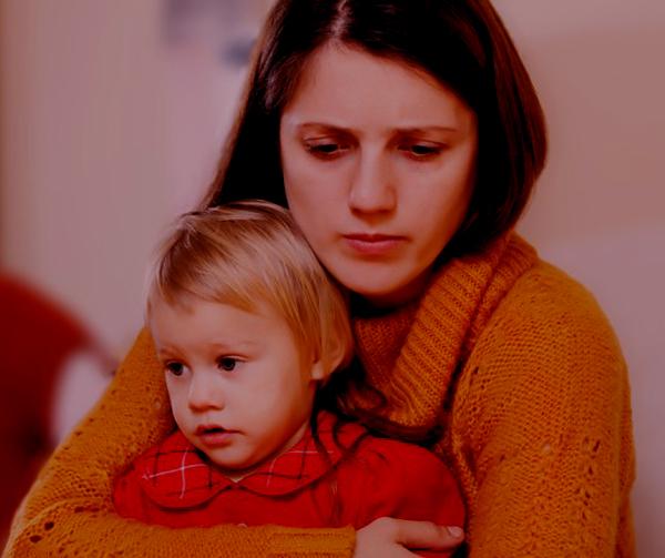 ¿De qué se trata la depresión post-adopción?