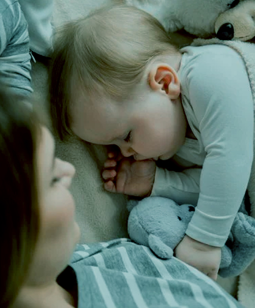 ¿Es bueno que los chiquitos duerman con la mamá?