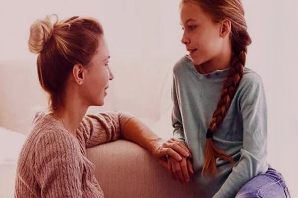 ¿Cómo puedo acompañar a mi hija en su primera menstruación?