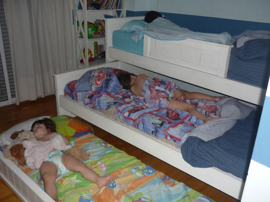 Las ventajas de compartir el cuarto entre hermanos