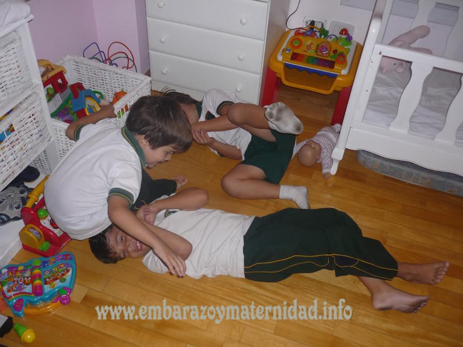 Maneras de organizar el cuarto compartido entre hermanos