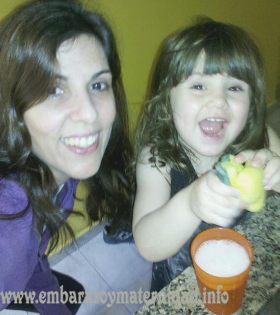¿Por qué las redes sociales generan estrés en muchas madres?