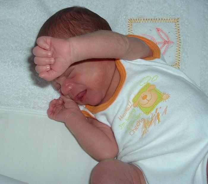 Cómo tratar el estreñimiento en los bebés