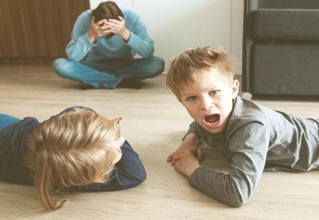 Cómo aplicar la sobrecorrección en los niños