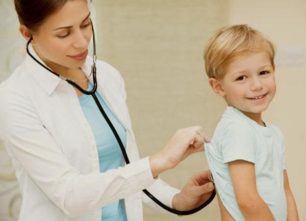 Cómo es el rol del pediatra en la crianza de nuestros hijos