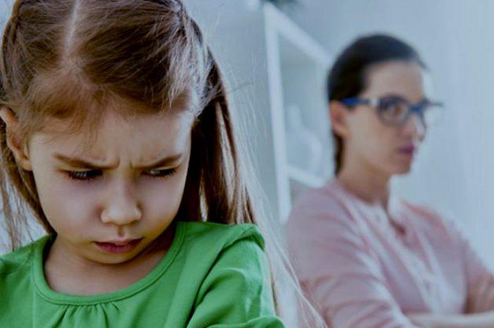 ¿Cómo tenemos que actuar con niños desobedientes?