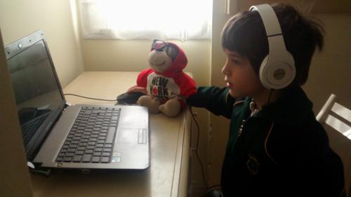 Los chicos y los dispositivos electrónicos