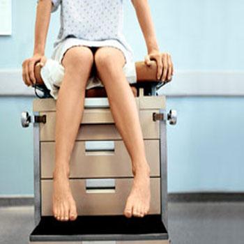 La-primera-visita-con-el-ginecólogo