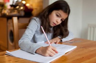 Cómo ayudar a nuestros hijos con las tareas del colegio