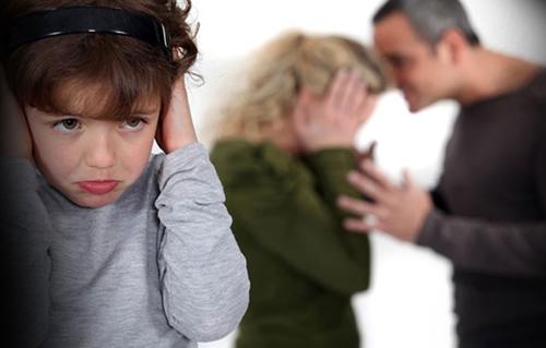 Los hijos son también víctimas de la violencia de género